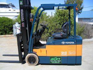 Xe nâng điện 3 bánh Toyota 7FBE20
